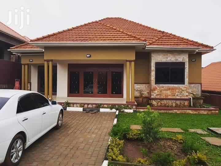 Old Shimon Road Kira House for Sale With Four Bedrooms and Title