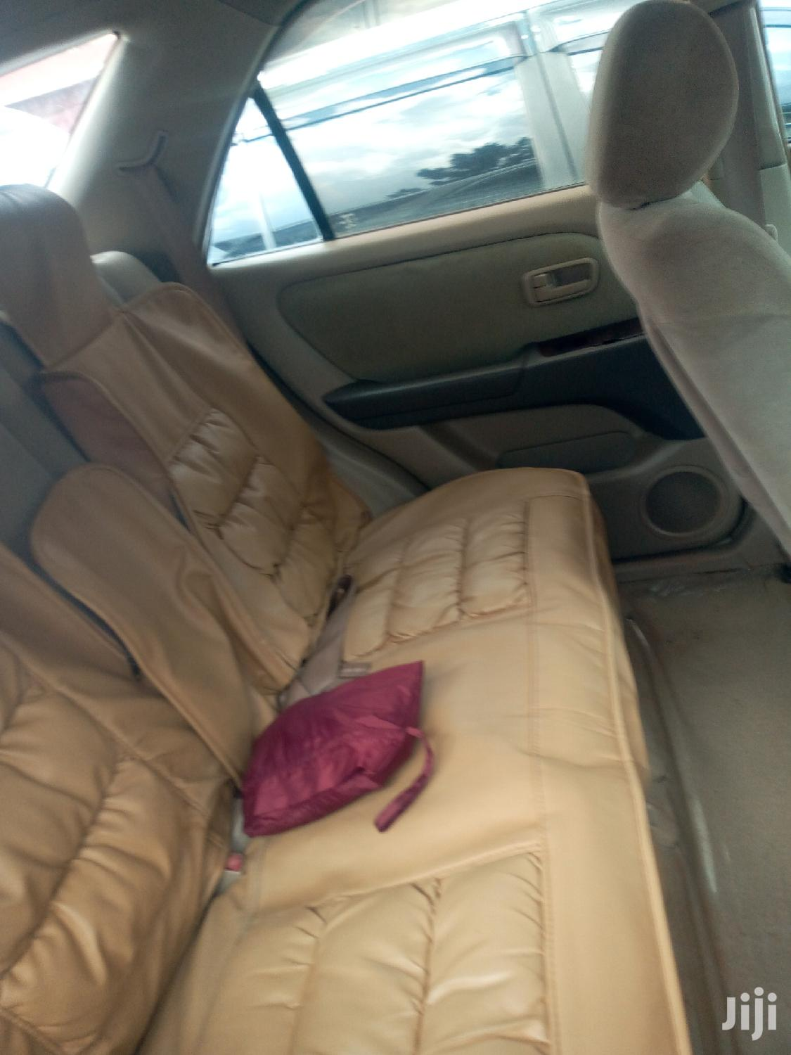 Archive: Toyota Harrier 2000 White