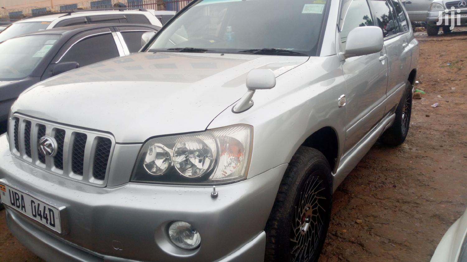 Archive: Toyota Kluger 2005 Silver