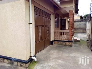 Three Bedroom Bungalow In Mutungo For Rent