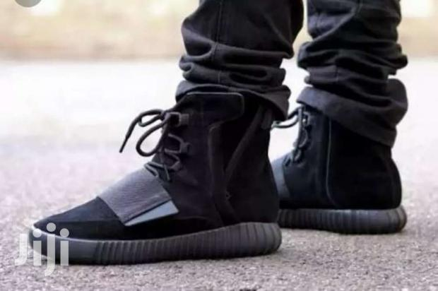 Archive: Yeezy Boost 750